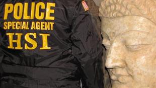 Lopott indiai művekre bukkantak a nyilvános raktárban