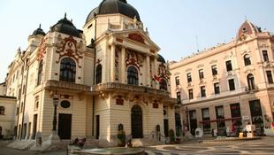 Életveszélyes a Pécsi Nemzeti Színház
