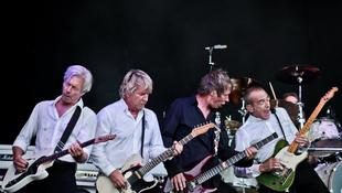 Világkörüli turnéra indult a legendás rockbanda