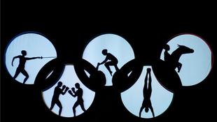 Mindent visz a magyar látványszínház