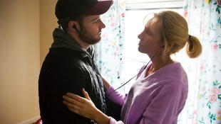 Dráma: drogos anyját mentené meg a taxisofőr