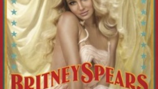 Minek Britney Spearsnek fél tonna jégkocka?