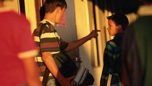 Ököllel verte társát egy diák Pécsett