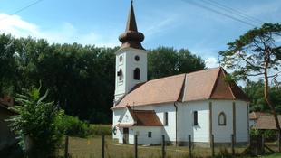 Betört az árvíz a védett templomba