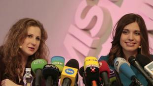 Madonnával fellépő tagjai ellen fordult a Pussy Riot