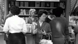 Ellepték a könyvek a Vörösmarty teret
