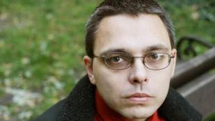 Dragomán György egy kamaszlány hangján szólal meg