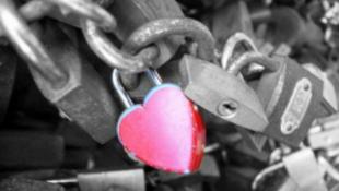 Büntetik a szerelmeseket
