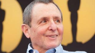 Elhunyt a hollywoodi filmcár