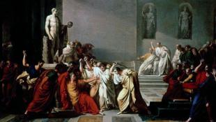 Julius Caesarral egy villamosmegállóban végeztek