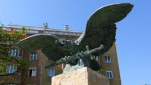 Beindult a magyar szélsőbal is