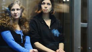 Őrizetbe vették a Pussy Riot tagjait