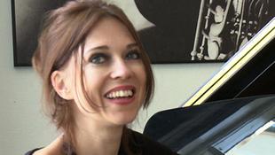 Budapestre érkezik a neves zongoraművésznő