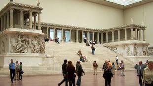 Bezár a berlini Pergamon Múzeum