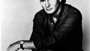 Liam Neeson meghatódott és országot váltott