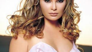 Mégsem végzik ki az énekesnőt meggyilkoló milliárdost-videóval