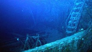 Csodás hajóroncsra bukkantak a tenger mélyén