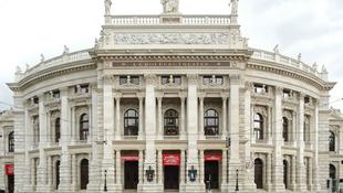 Sajnálja a Nemzeti Színház távolmaradását a Burgtheater