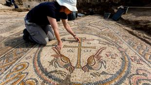 1500 éves templom mozaikkal