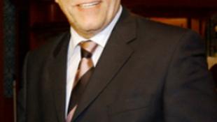 Koltay Gábor igazgat, a rendőrség nyomoz