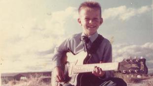 Üsd még a gitárt, Tommy!
