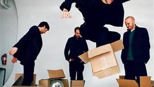 Kézzelfogható lemez nélkül vezet listát a Coldplay