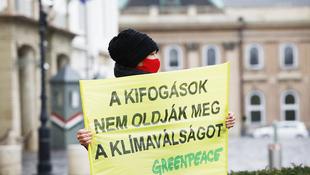 Színészek és tudósok demonstrálnak a klímáért