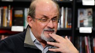 Átvette elismerését Salman Rushdie