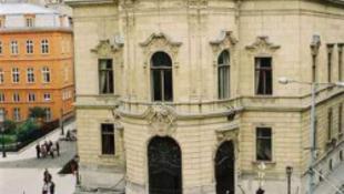 Francia adományt kapott a Szabó Ervin Könyvtár
