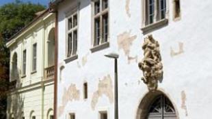 Fényfestéssel díszítik a Zsolnay Múzeumot