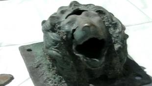 Hogy került oroszlánfej a tengerbe?