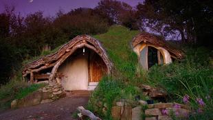 Hobbitlakást épített egy fotós