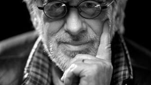 Steven Spielberg lövöldözős játékot rendez