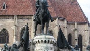 Megújul a kolozsvári Mátyás-szobor