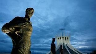 Az építész mégsem vállalja a főváros átszabásának tervét