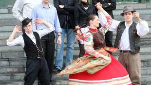 Itt az új őrület: magyar népdal japán módra!