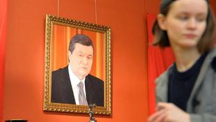 Kiállították Janukovics lefoglalt tárgyait