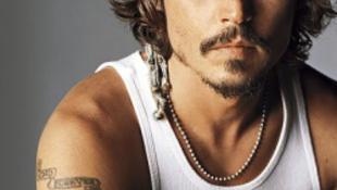 Életnagyságú szobrot állítanak Johnny Deppnek