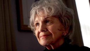 Súlyos beteg a Nobel-díjas írónő