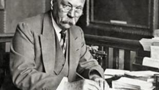 Elkeveredett a postán, ezért csak 128 év után jelenik meg a regény