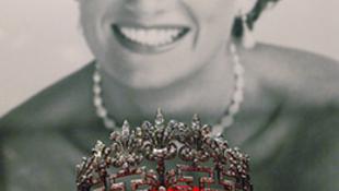Diana-kiállítás: mese habbal