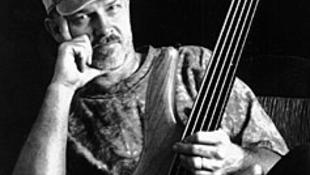 Magyarországon a basszusgitár ásza - magyarokkal
