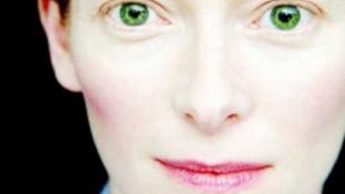 Őrültként kóborol egy Oscar-díjas színésznő