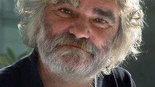 Különös szigetről mesél az író