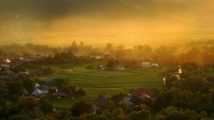 Elképesztő fotók járják be a netet Erdélyről