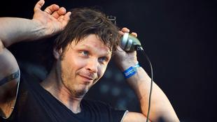 Visszatér a zenei életbe a hírhedt énekes