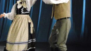 Népzenei és néptáncos fesztivál kezdődik pénteken Szamosújváron