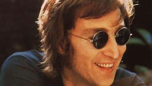 John Lennon kéziratai kalapács alatt