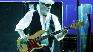 Súlyos beteg a basszusgitáros