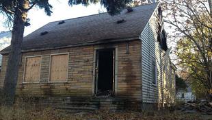 Leégett az énekes háza